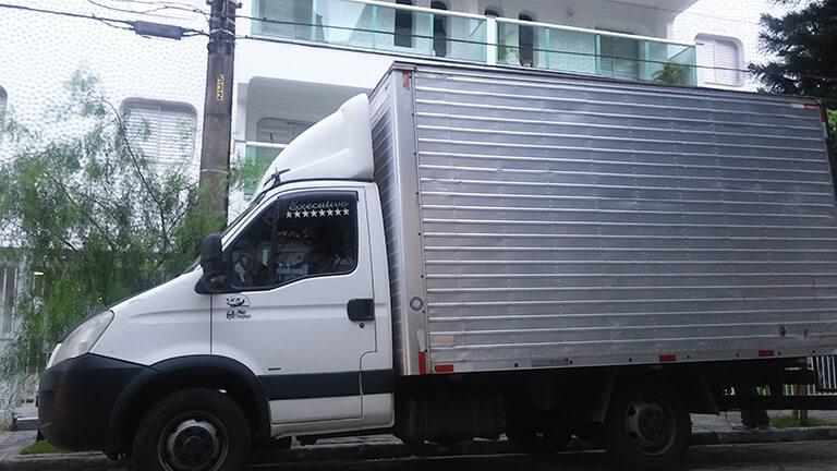 Caminhão de Mudanças em Araçoiaba da Serra